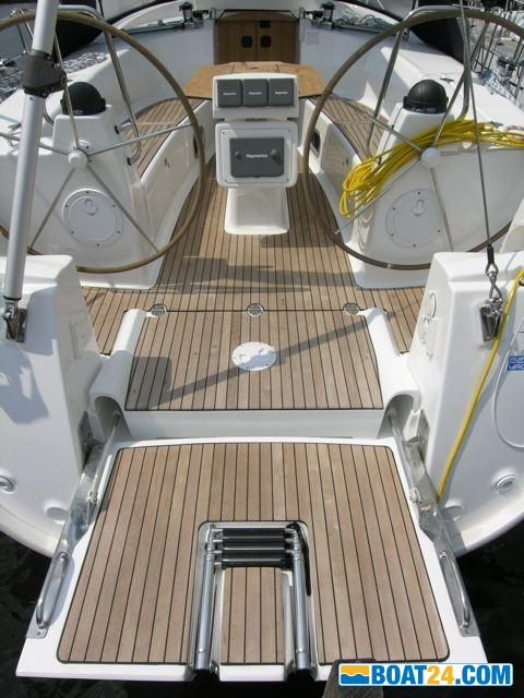<b>Teak in der Plichte Bavaria 40 Cruiser</b>