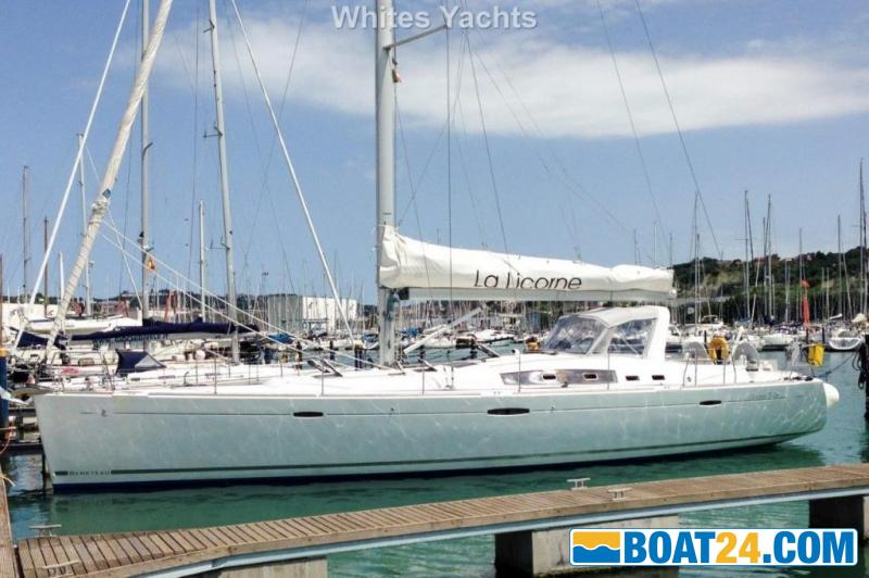 <b>Beneteau Oceanis 54</b><br/>port view