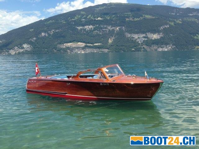 schneiter holz motorboot runabout chf 30 39 000. Black Bedroom Furniture Sets. Home Design Ideas
