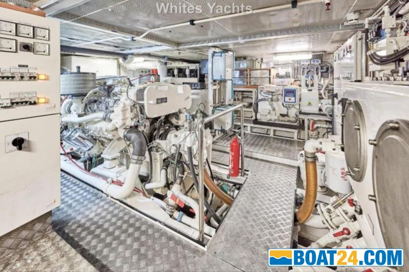 <b>Jongert 31T</b><br/>engine room
