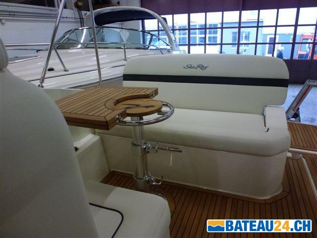 <b>Sea Ray 265 Sundancer</b><br/>Cockpit
