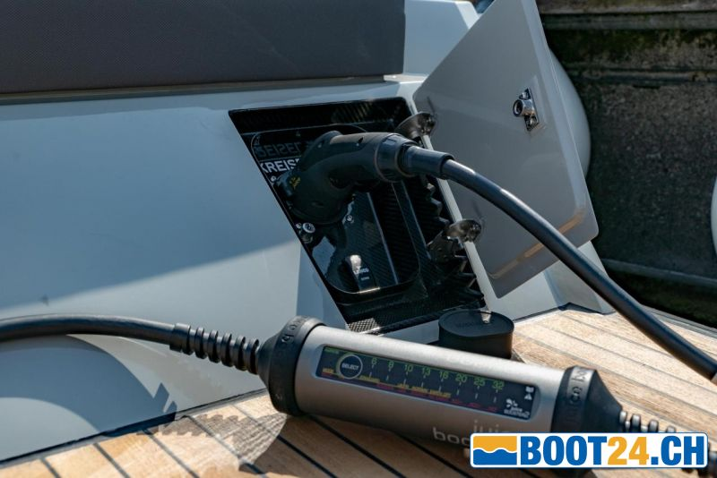 <b>SAY29E - Portier Yachts</b><br/>Charger