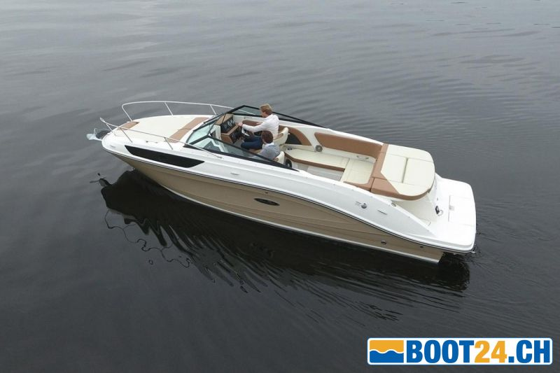 <b>Sea Ray 230 SSE</b>