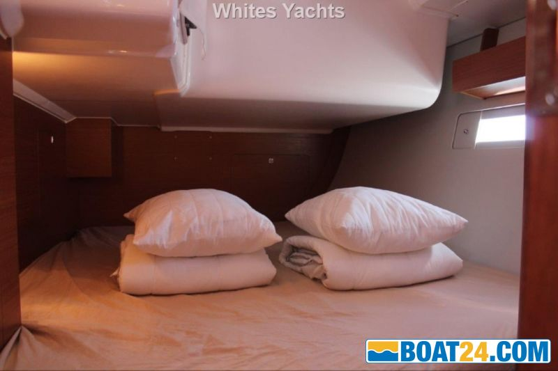 <b>Dufour 412 Grand Large</b><br/>aft cabin port