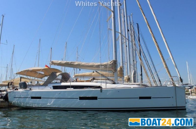 <b>Dufour 412 Grand Large</b><br/>in harbour