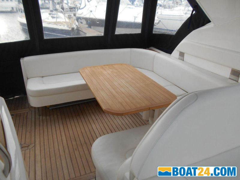 <b>Aft Cockpit Seating with Table</b><br/>