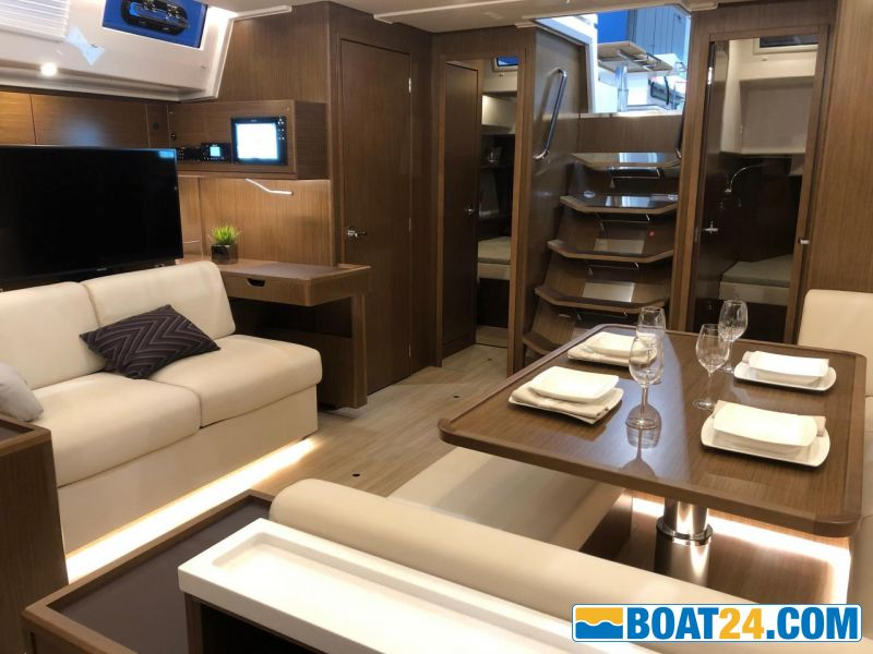 <b>Salon from pantry</b><br/>Dusseldorf Boat Show