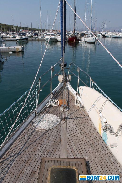 Custom BUILT Classic Wooden Sloop
