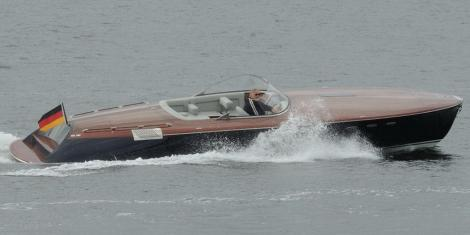 Runabout 33 Classic