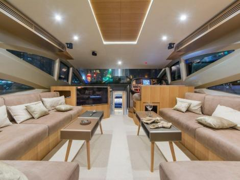Majesty Yachts Majesty 56