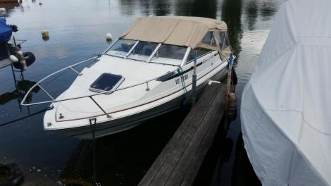 Bayliner Capri Kuddy 1950