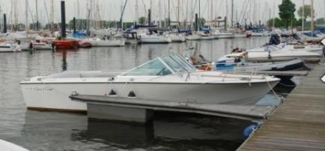 Chris Craft Lancer 23
