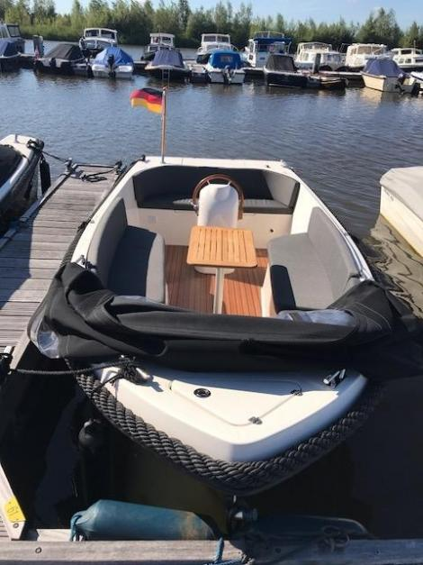 Admiral Boats 565 Tender XL