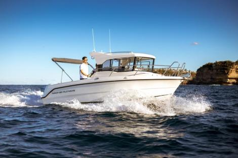 Parker 660 Pilothouse + Motor