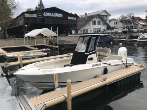 <b>Boston-Whaler 230 Outrage</b><br/>Babord