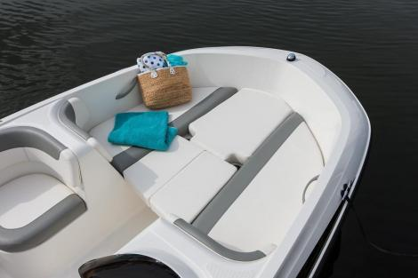 Bayliner E5 mit 15 PS / Trailer