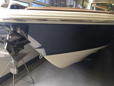 Chris Craft Corsair 27