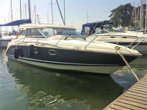 Aquador 26 HT by Marine Center Goldach
