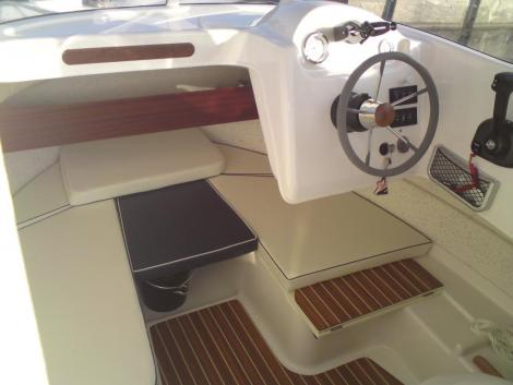 Quicksilver PilotHouse 640