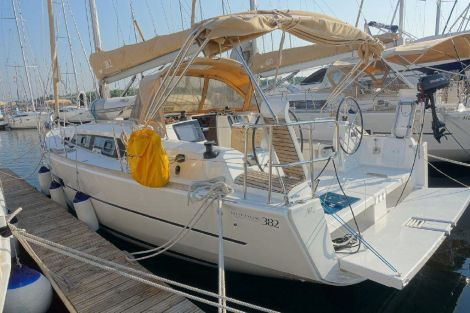 Dufour Grand Large 382