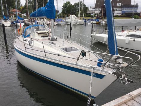 Sweden Yachts 370