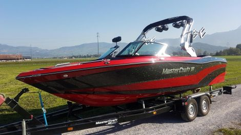 MasterCraft XT23 Surf and Wake