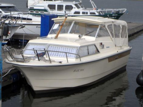 Marco Yachts 810