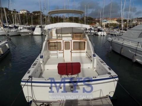 Bertram Yacht 30 FLY