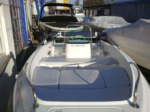 Olympic 450 Centerconsole Heck