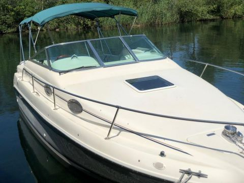 Sea Ray 255 Cruiser
