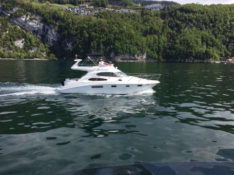 Sealine F37/ FLYBRIDGE
