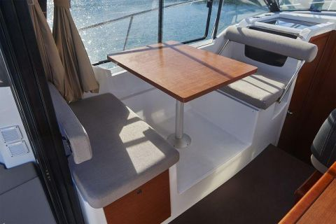 Jeanneau MERRY FISHER 895 OFFSHORE