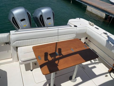 Boston Whaler Conquest 28