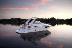 Regal 28 Express Pilothouse