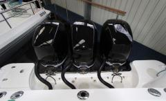 Boston Whaler 345 Conquest 3xMercury 300