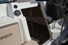 Bayliner VR5 Cuddy Cabin Outboard Version