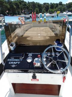 Correct Craft Fishnautic23