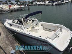 Boston Whaler 235 Conquest