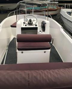 Polyester Yachts 440