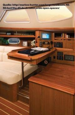 Hunter 45 Deck Saloon