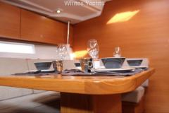 <b>Grand Soleil 54</b><br/>saloon table