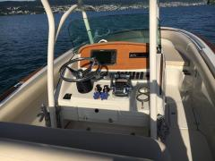 <b>Chris Craft Catalina 26 - Portier Yachts</b><br/>Funktionales Cockpit mit perfekter Rundumsicht<br />