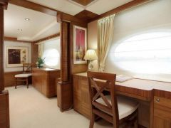 Majesty Yachts Majesty 105