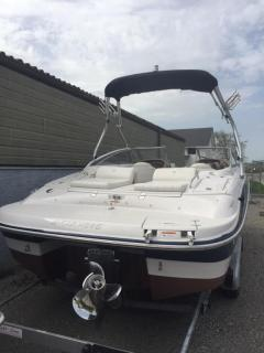 Four Winns Horizon 210 Bowrider