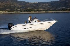 Ranieri International Sundeck Shadow 22 Daycruiser