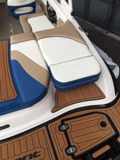 Bryant Boats 210 W Walkabout
