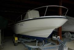Boston Whaler Dauntless 180 Yacht a Motore