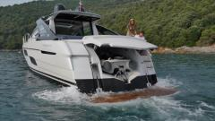 Pershing 5XIPS Hard Top Yacht