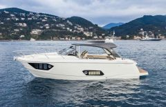 Absolute 40 Stl- Ht Hard Top Yacht