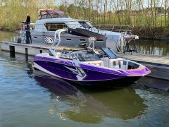 Correct Craft Nautique G21 2014 Wakeboard/Wakesurf